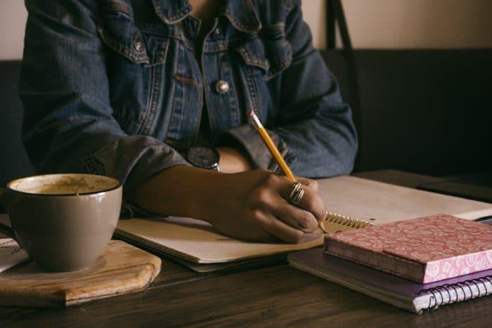 trouver-l'inspiration-à-travers-l'ecriture